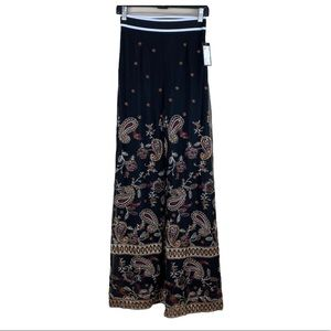NWT. Romeo & Juliet Couture Mesh Pants. Size S.